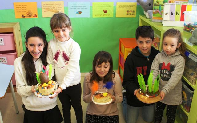 Mona de Pasqua amb els nostres fillols i filloles de P5!!!
