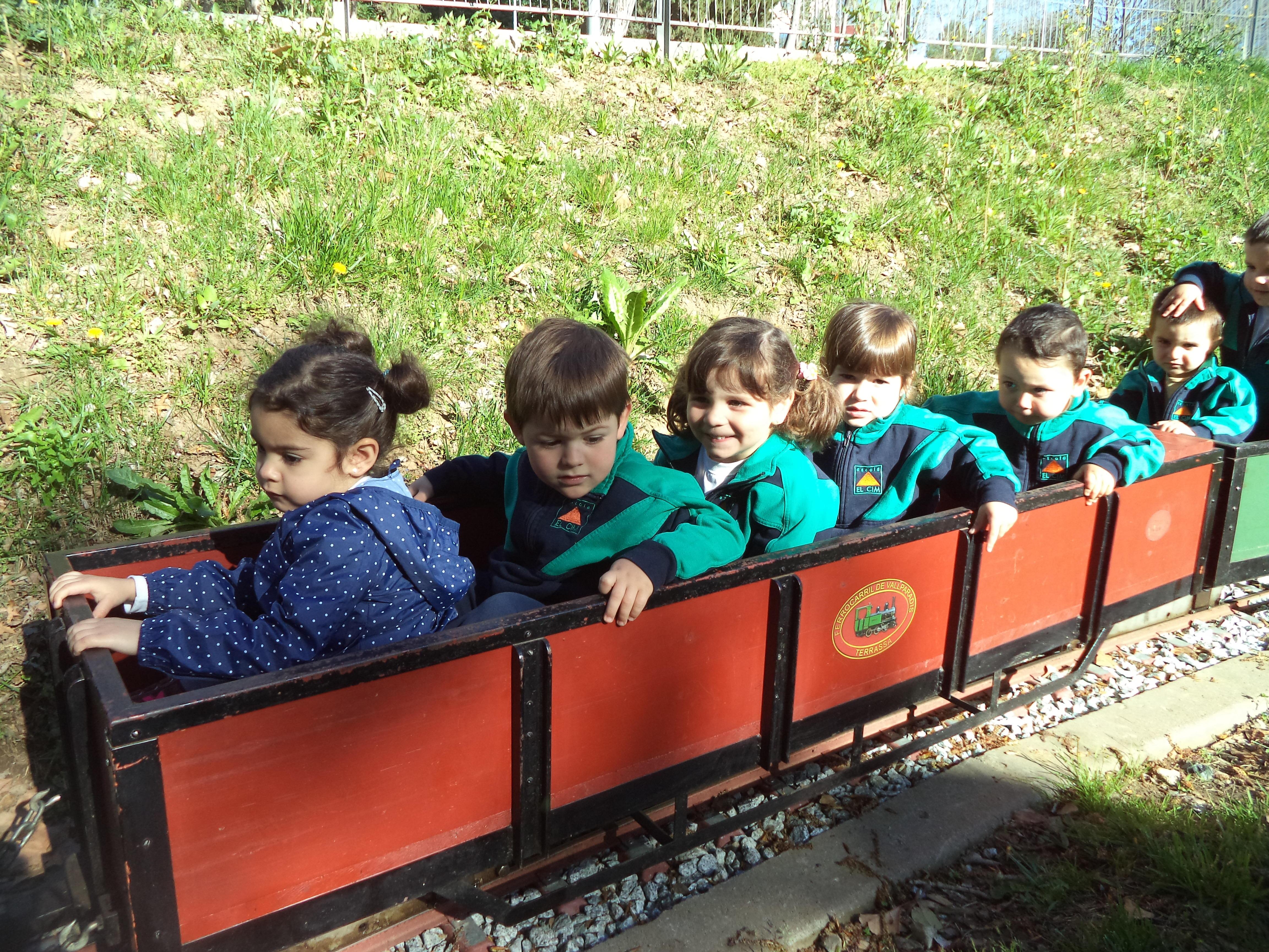 Els Dofins hem anat al trenet de Vallparadís | infantil
